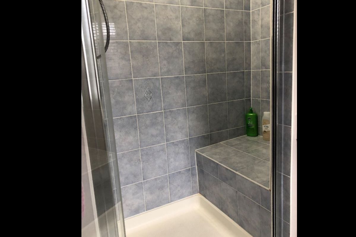 Ladies only - Private luxury Queen Ensuite