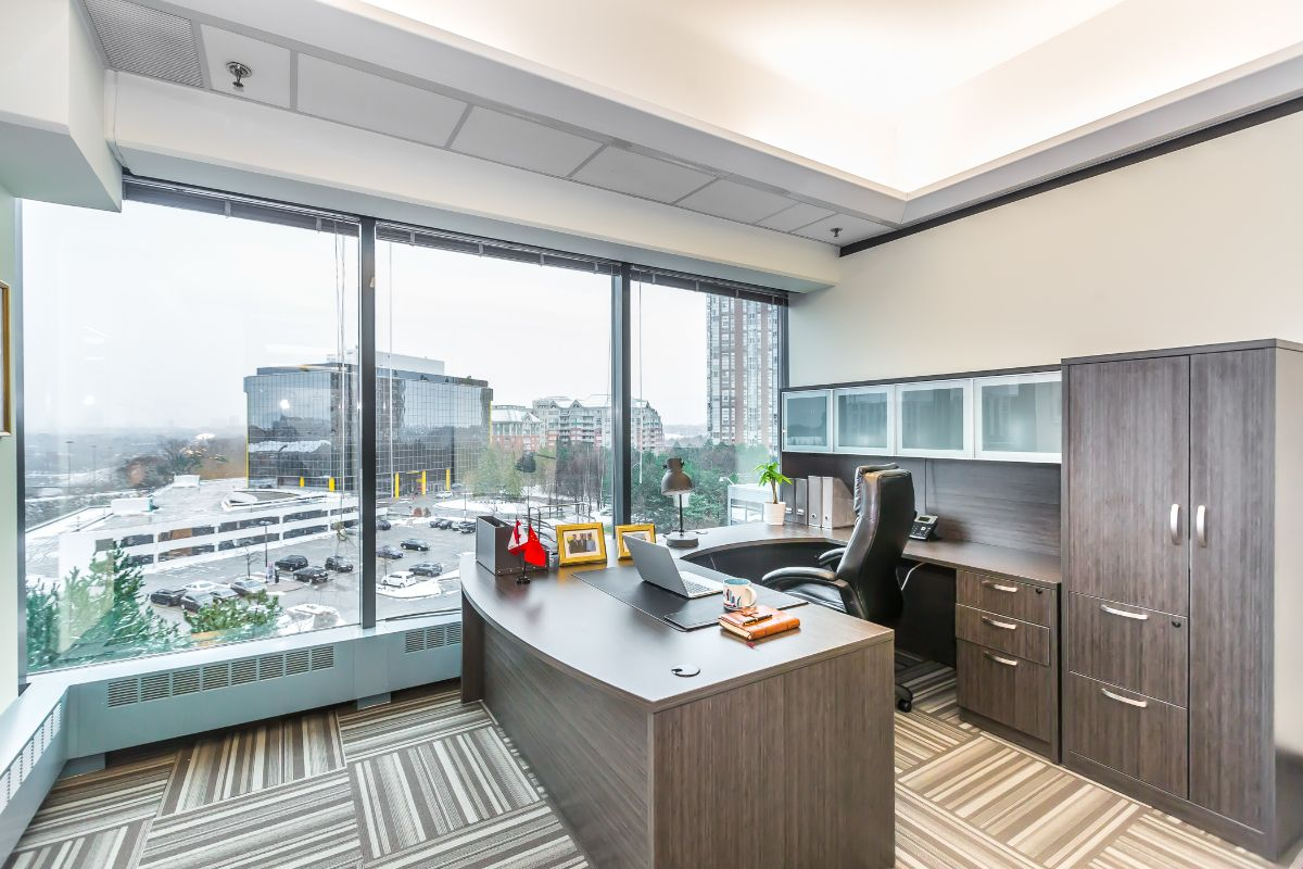 Private Office at the Heart of Midtown