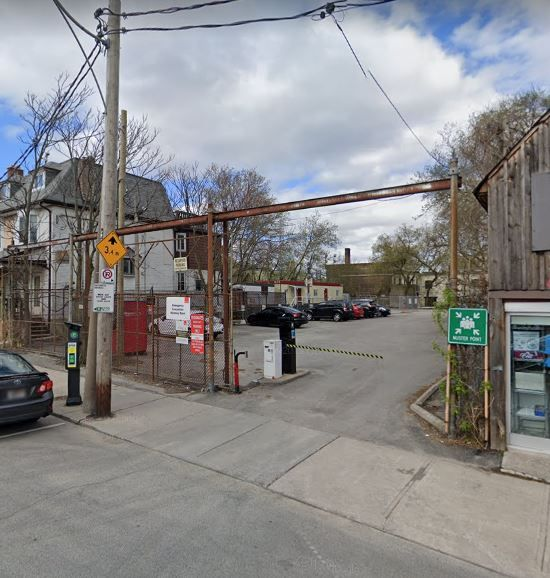 Outdoor Parking at Bathurst & Dupont (275 Howland Ave)