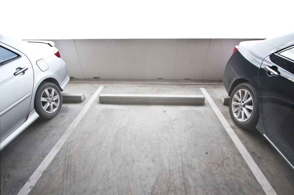 PARKING AVAILABLE AT 20 BLUE JAYS WAY, TORONTO DOWNTOWN