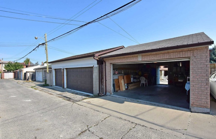 2 car garage for rent for parking and storage