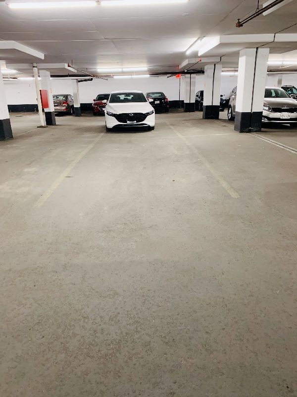 Parking space underground YONGE AND FINCH