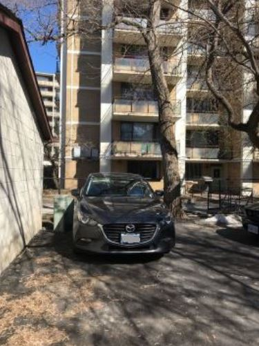 Parking Space available at Huron St.