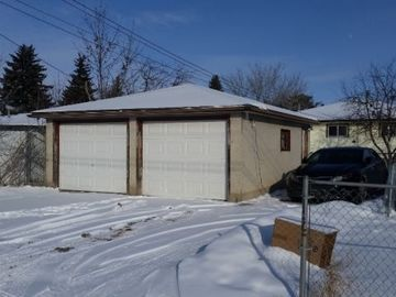 2 BAY DETACHED GARAGE FOR RENT
