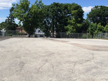 Big parking lot with lots of space Dufferin and Glencarin
