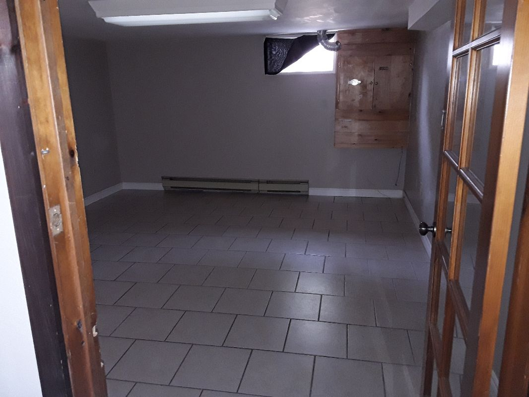 Basement apartment rooms for storage