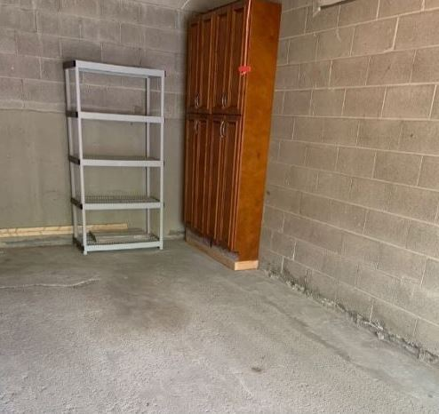 10x20x6 Garage Available for Monthly Rental