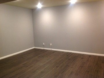Large, Clean Space in Pickering