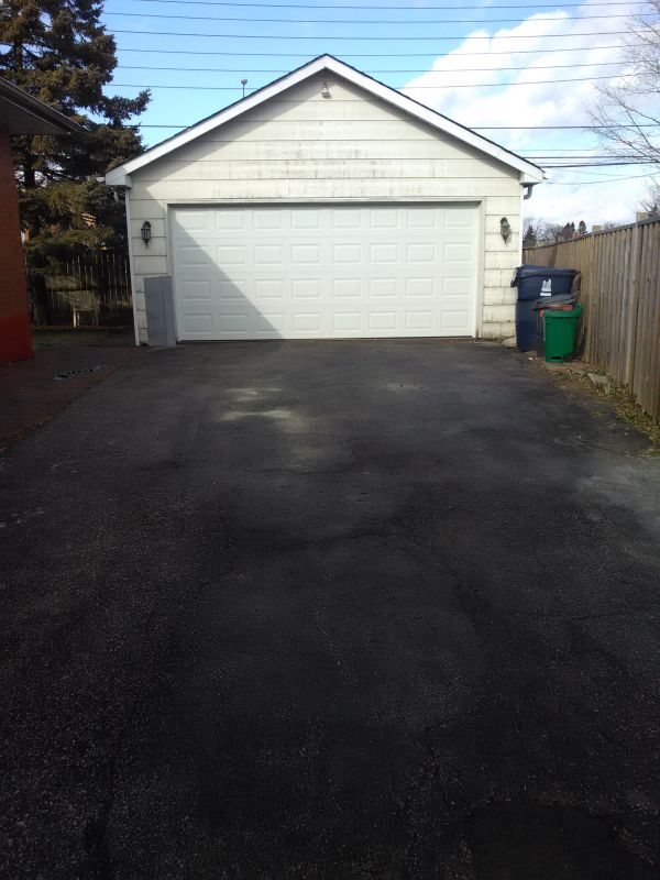 EXTRA LARGE DOUBLE CAR GARAGE - For Rent.  Scarborough Markham/401 Area