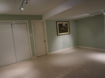 200 sq ft storage space in basement: Stouffville